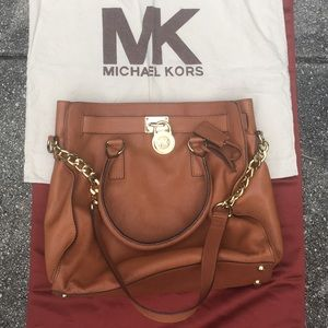 MICHAEL MICHAEL KORS Tan LEATHER Purse SATCHEL